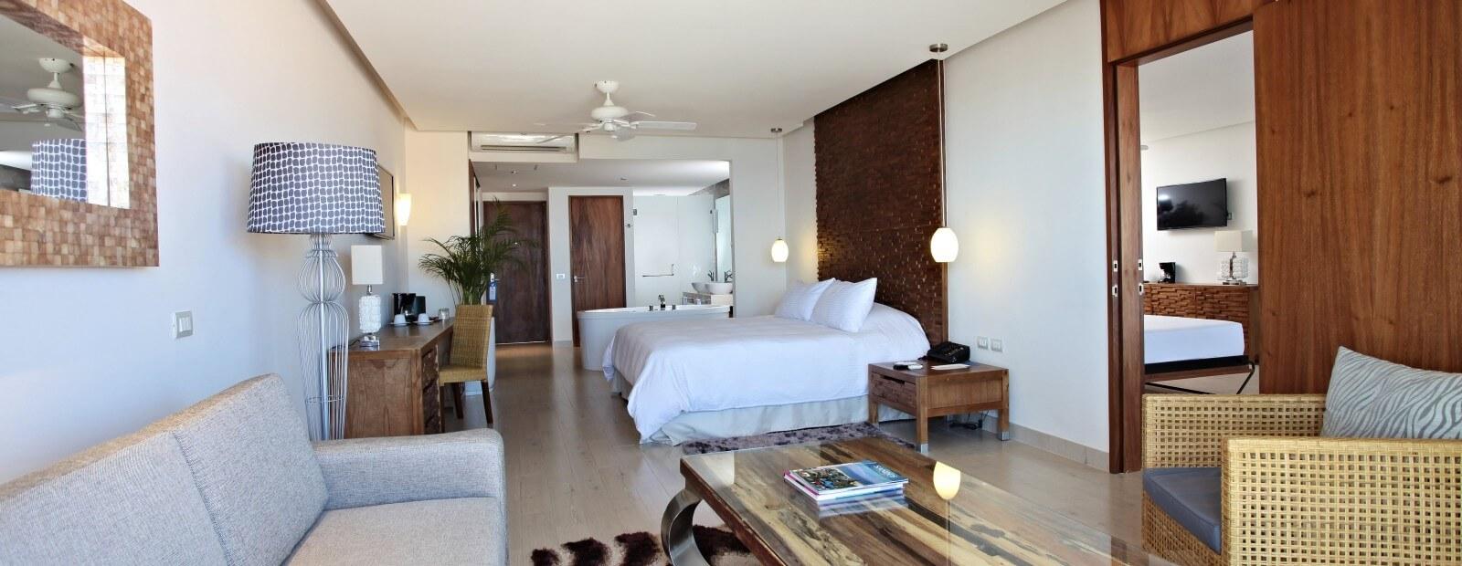 Finisterra One Bedroom Master Suite