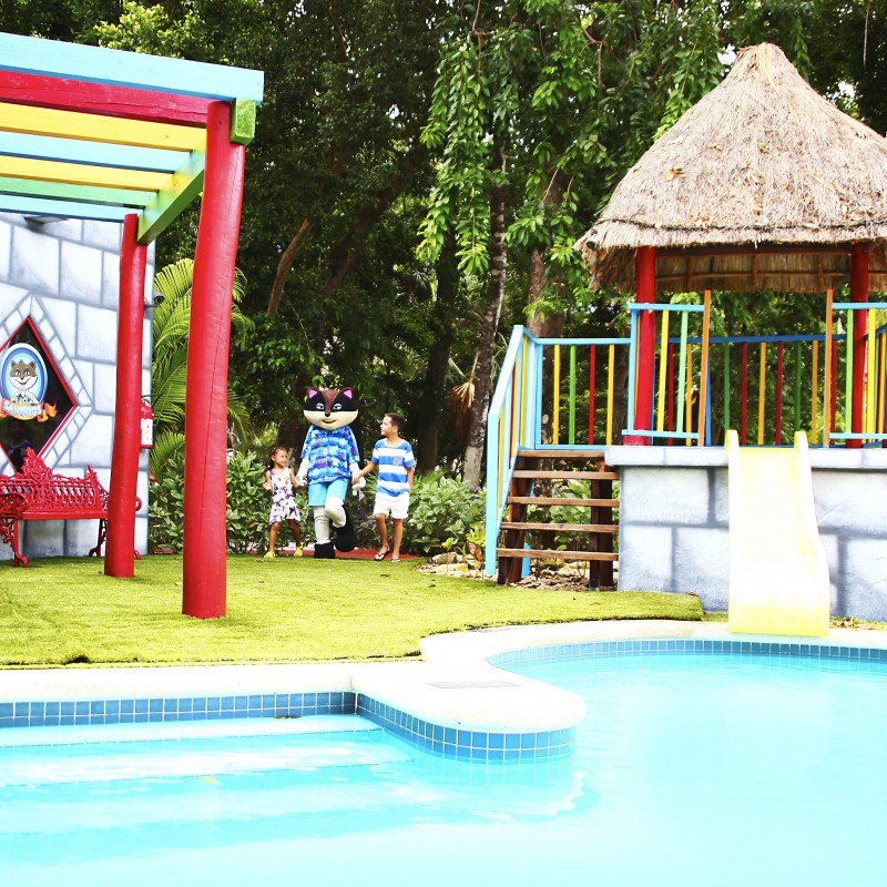 kids pool playacar